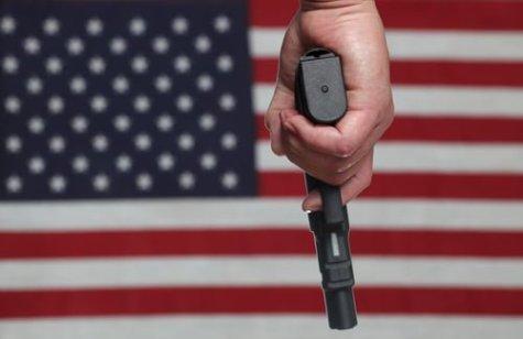 second-amendment-handgun