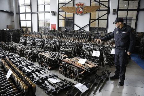 http://i1.wp.com/shtfplan.com/wp-content/uploads/2017/03/seized-guns-spain.png?w=500