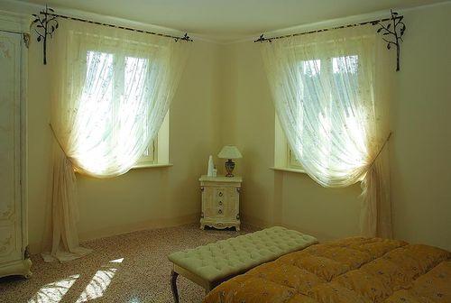 Асимметричные шторы на одну сторону окна: фото возможных ...