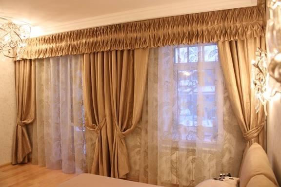 Шторы с ламбрекеном в гостиную и зал красивые дизайны