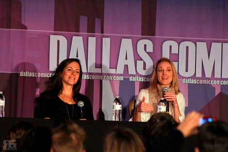"Two stars from the hit Canadian fantasy sci-fi drama ""Lost Girl""---Anna Silk and Zoie Palmer---answered spoiler-free questions at their panel on Sunday, Oct. 18."