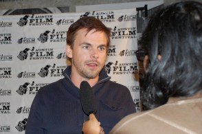 """Our TV & Film Editor Kimberley Carmona spoke with """"Casual"""" actor Tommy Dewey. Dewey is known for his roles in """"17 Again,"""" """"Step Up Revolution,"""" and """"The Escort."""" He has also guest starred in """"The Mindy Project."""" / Photo by ChinLin Pan"""