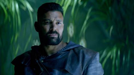 """Allanon from """"The Shannara Chronicles,"""" played by Manu Bennett"""