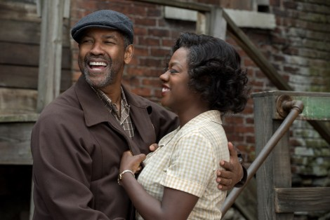 Denzel Washington plays Troy Maxson and Viola Davis plays Rose Maxson in Fences from Paramount Pictures. Directed by Denzel Washington from a screenplay by August Wilson. / Photo credit: Paramount Pictures
