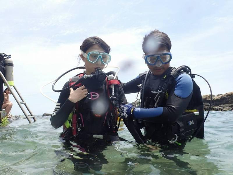 林祐平除了教學生潛水,也教導學生海洋保護觀念。 圖片提供/林祐平