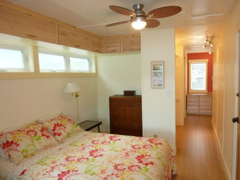 Sandy Beachfront Cottage on Little Shuswap Lake Queen Bedroom