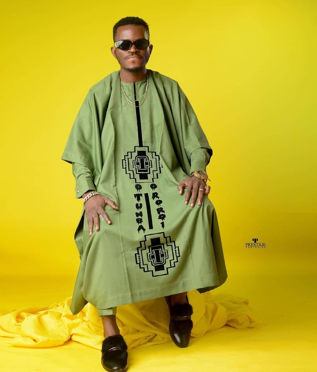 Agbada Outfit for Celebrities males & Females 2021 (13)