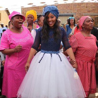shweshwe traditional wedding dresses 2021 (3)
