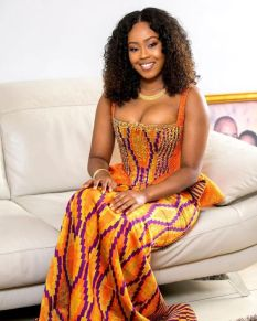 LATEST 10 AFRICAN WEDDING FASHION DRESSES OUTSTANDING (1)