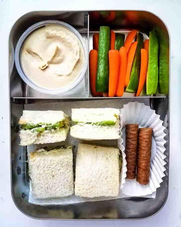 Avocado Sandwich, hummus, carrots