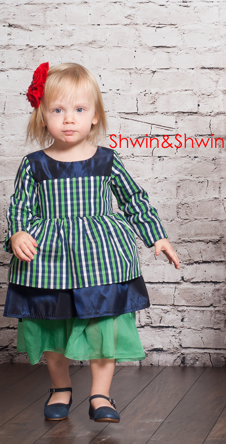 Holiday Dress Pattern || Free PDF Pattern || Shwin&Shwin