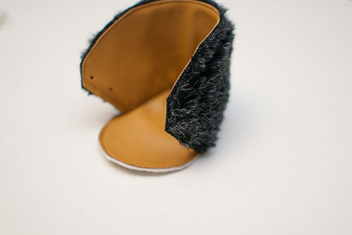 Fur+Leather Baby Booties || Free Pattern || Shwin&Shwin