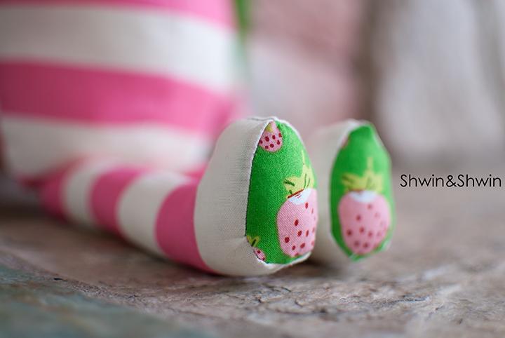 Free Bunny Doll Pattern || Shwin&Shwin