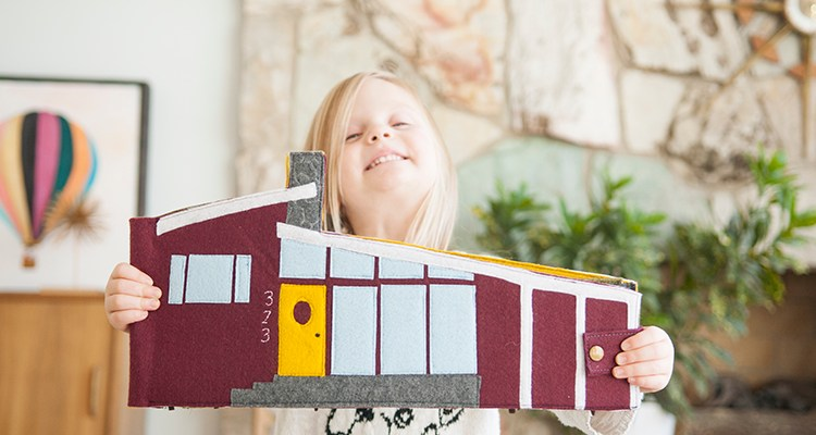 Mid Century Modern    Travel Dollhouse