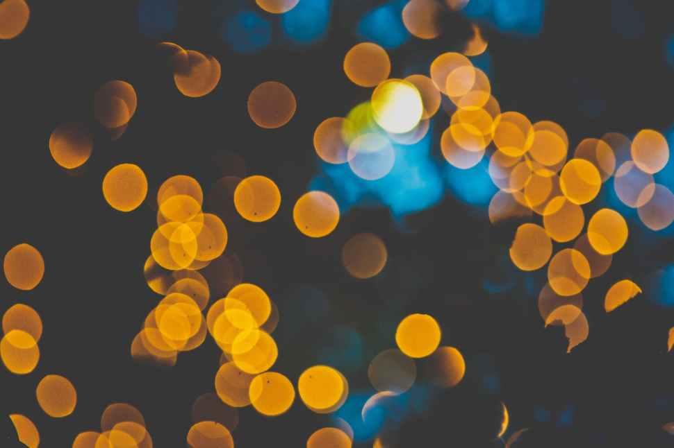 yellow bokeh photo
