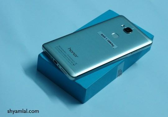 honor-5-back view
