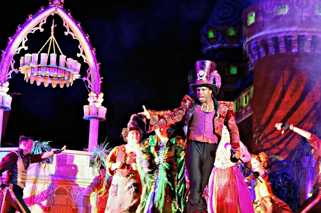 Hocus Pocus show at Mickey's Not so Scary Halloween Party