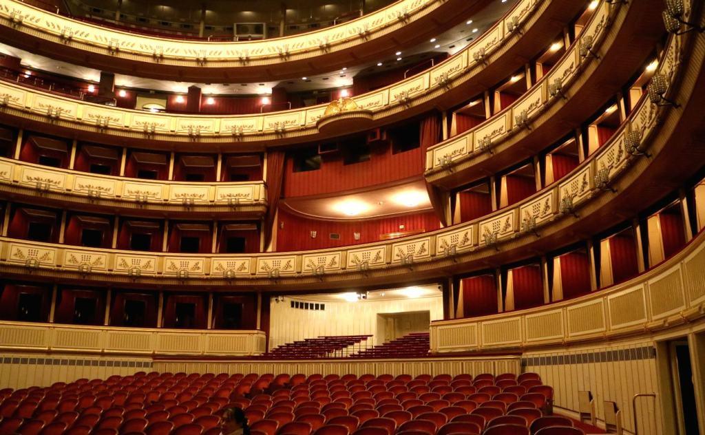 Auditorium as viewed on the Vienna Opera House tour