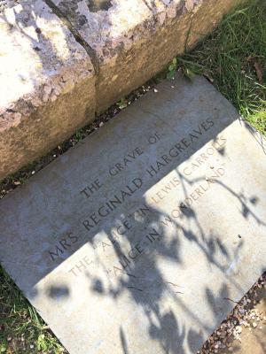 Alice in Wonderland grave