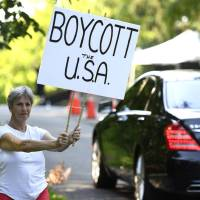 In Canada's Grocery Carts, a Boycott U.S.A. Movement Starts Rolling ​