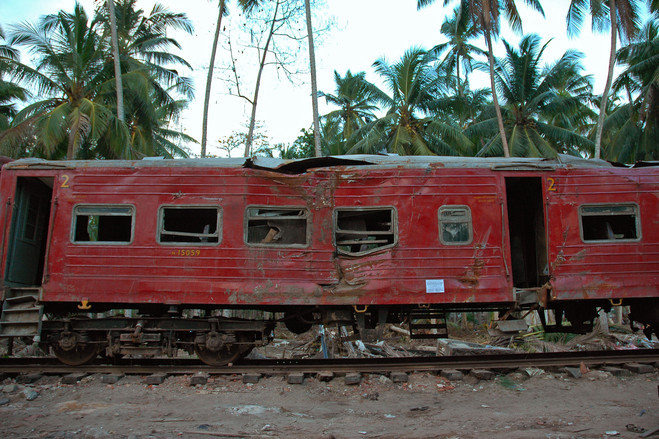 Peraliya early 2005<br>  Peraliya was among the hardest-hit towns on Sri Lanka's southern coastline. Of about 1,500 residents, almost one in seven was killed. It was here that the giant waves derailed a packed passenger train.