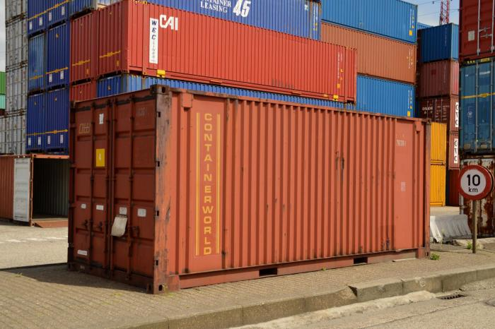 BN UA585 0626CO 16RH 20170626193334 - The game of container spotting