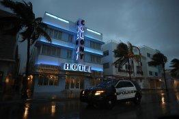 Irmas Eyewall Reaches Florida Keys WSJ