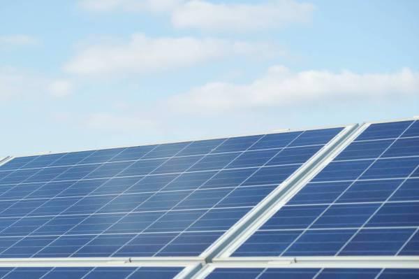 Solar Shifts Could Fry Tesla Earnings - Barron's