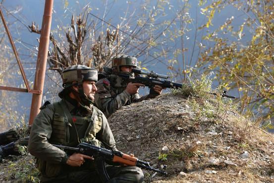 Militants Launch Deadly Attacks in Kashmir - WSJ