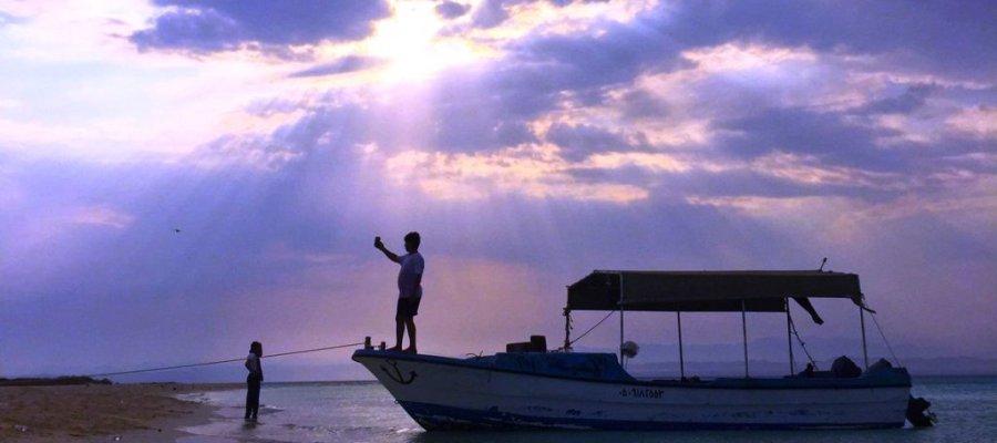 شواطئ و بحر أملج في السعودية