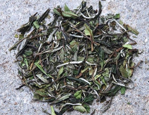 Bai Mu Dan /Pai Mu Tan / White Peony Weißer Tee