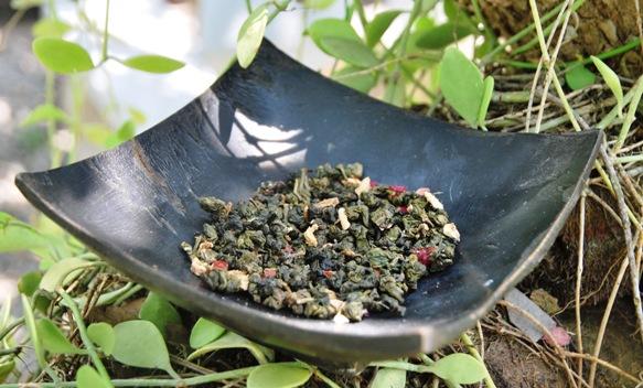 Monsoon Blend Thai Oolong-Teemischung im Grünen in meinem Garten