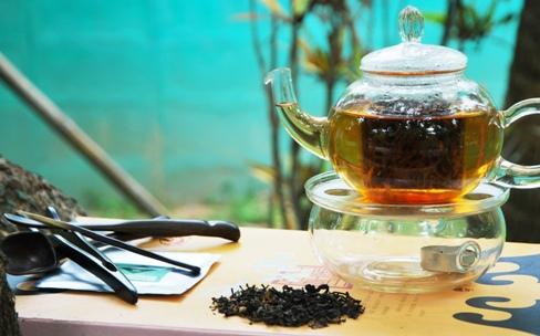 Hillside Blend Black Aromatische Thai-Teemischung zubereitet in meinem Garten