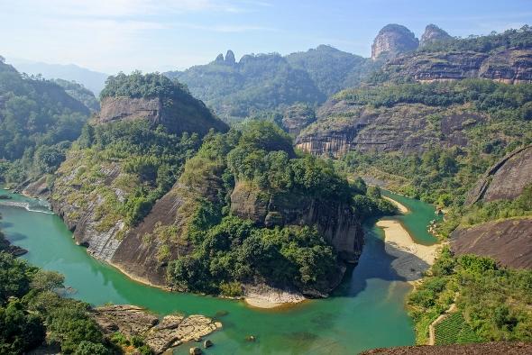 Fluss der neuen Windungen in Wuyi Mountains, China