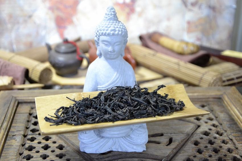 Authentischer Qidan Da Hong Pao Oolong Tee von der 1. Ablegergeneration der Mutterbüsche; von Cindy Chen, Zhengyan, Wuyishan