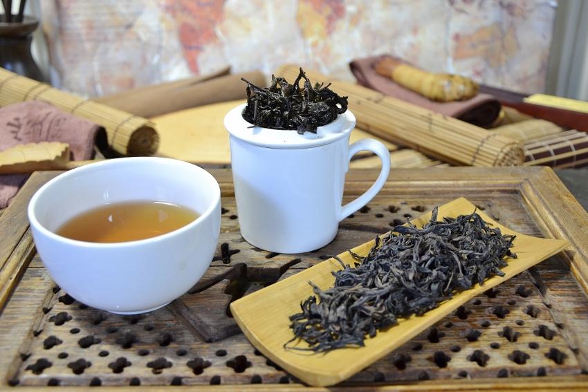 Authentic Beidou Da Hong Pao Oolong Tea from the first generation cutoffs of Da Hong Pao motherbushes, by Cindy Chen, zhengyan, Wuyishan