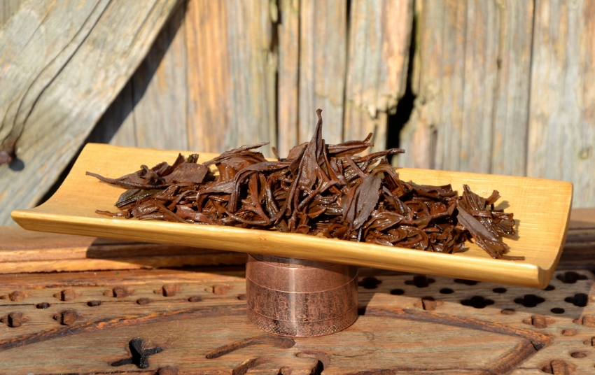 Jun Chiyabari Himalayan Black - black tea from close-to-nature cultivation in Nepal : wet tea leaes after infusion