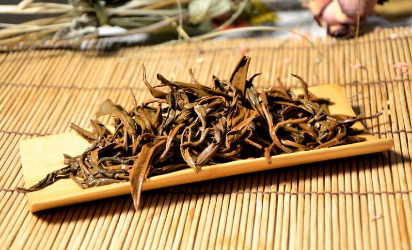 Dhara Golden Tips Schwarzer Tee aus naturnahem Anbau in Nordthailand