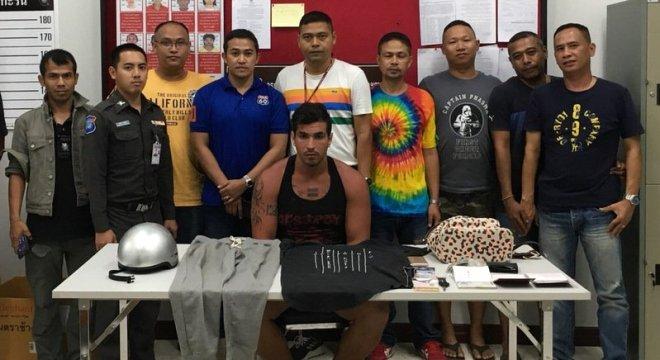 Un ressortissant argentin a été arrêté pour avoir menacé et volé des touristes chinois à Phuket
