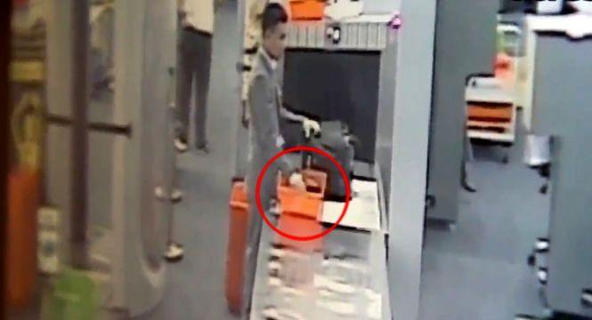 Un agent de sécurité de l'aéroport Suvarnabhumi de Bangkok a été arrêté pour avoir volé 6.000฿ à un touriste américain
