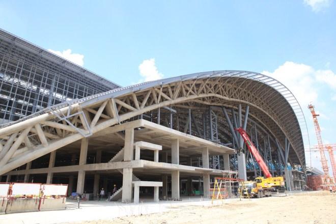 État d'avancement de la gare centrale de Bang Sue, dans la partie nord de Bangkok, ici vue de l'extérieure