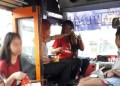 Bangkok : alcool et cigarette au volant, un chauffeur de bus licencié