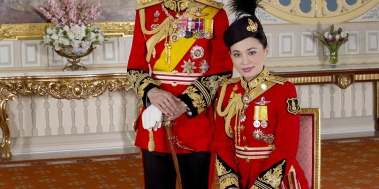 Le Palais Royal de Thaïlande publie les photos officielles du Roi et de la Reine