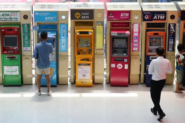 Les Thaïlandais n'abandonnent pas les espèces, mais les paiements dématérialisés se multiplient