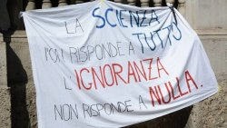 scienza-vs-ignoranza