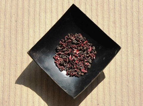 Jin Xuan Black Pearls / Roselle Hibiscus Tea Creation