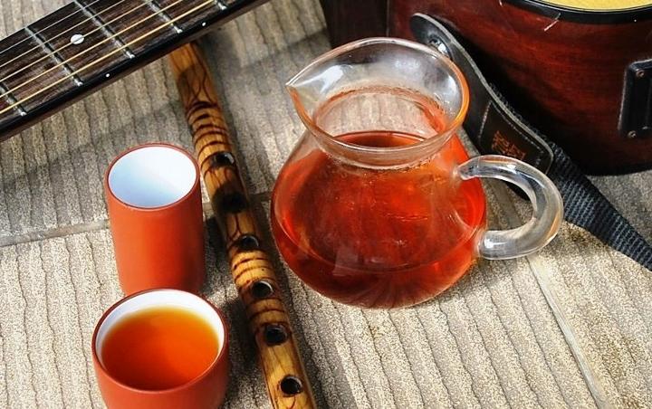 Wild Yunnan Black & Golden Needle Black Tea from wild/biodiverse cultivation