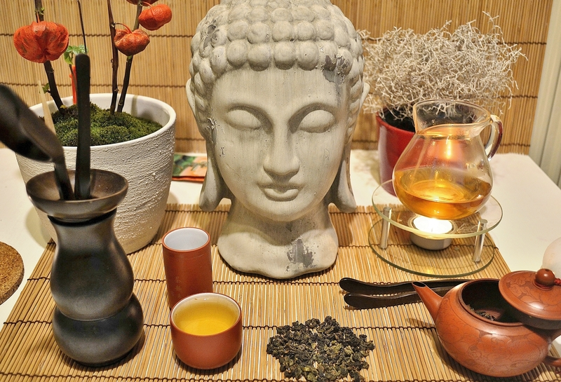 "Individual Chinese tea ceremony (""Gong Fu Cha"") setup"