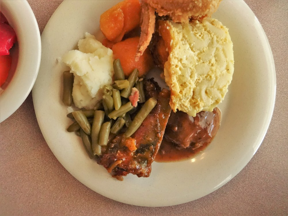 olde-house-cafe-buffet-lunch