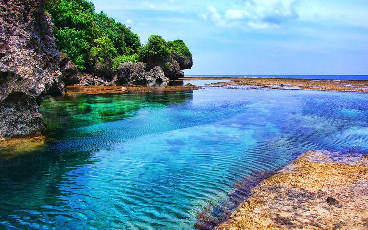 Природный бассейн Magpupu